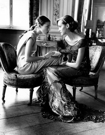 496d_haylynn_and_lida_in_ferre_dress_at_chateau_de_thoricourt_1998
