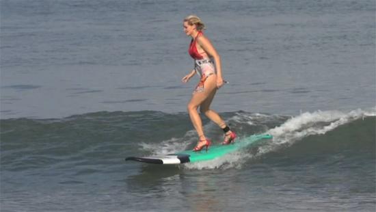 surfing-with-high-heels-screen-cap-02