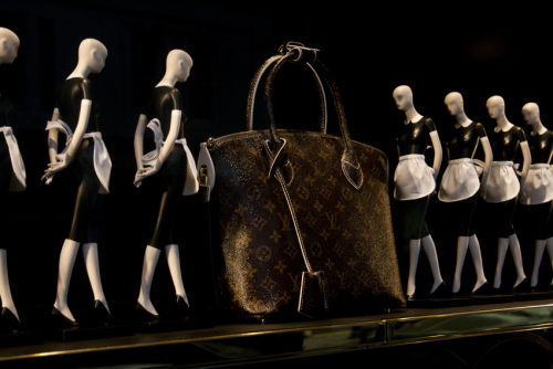 lv-bag-and-maids