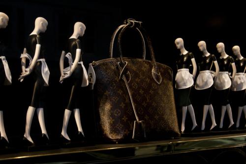 lv-bag-and-maids